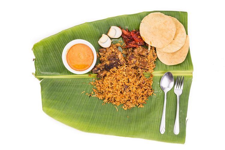 Nasi Briyani merupakan menu makanan halal dari Asia Selatan. Hidangannya berupa nasi yang ditambah rempah-rempah, daging, dan sayuran.