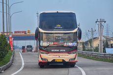 Pengemudi Bus Masih Minim Empati di Jalan Tol