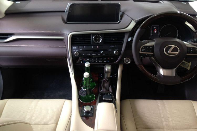 Lexus RX 350L.