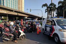 Hingga Pukul 07.30, Jalan KS Tubun Masih Tak Bisa Dilintasi Kendaraan