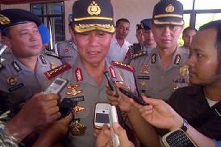 Kapolri Jenderal Pol Sutarman, memberi keterangan Pers di Mapolda Aceh, terkait pengamanan pemilu di Aceh.