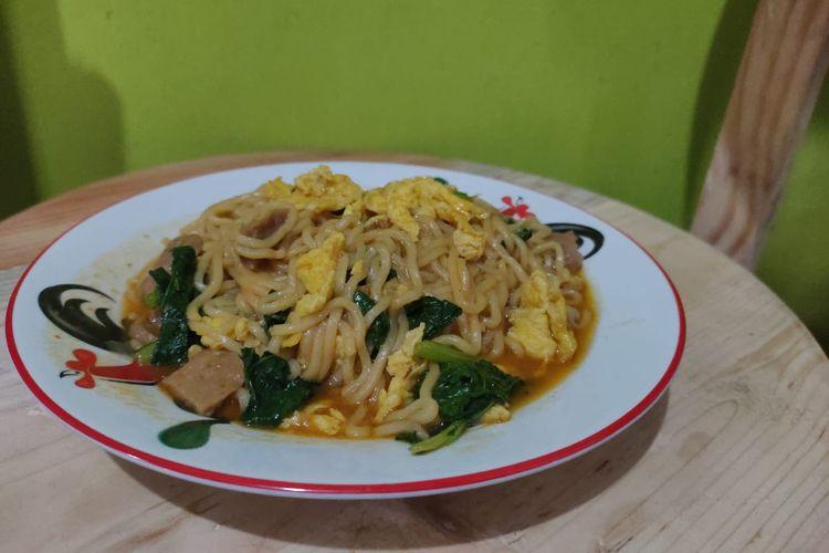 Mi Dok-dok yang bisa dibuat di rumah saja. Salah satu menu makanan di Warung Burjo ini bisa dibuat di rumah.