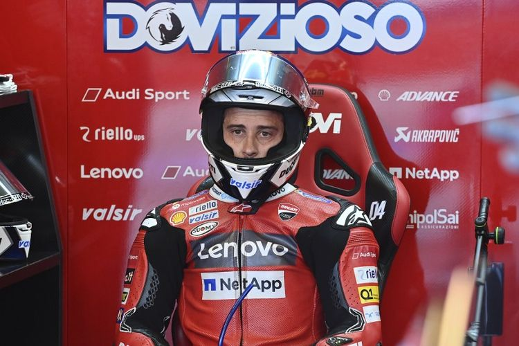 Andrea Dovizioso saat berlaga di MotoGP Emilia Romagna. (Photo by ANDREAS SOLARO / AFP)