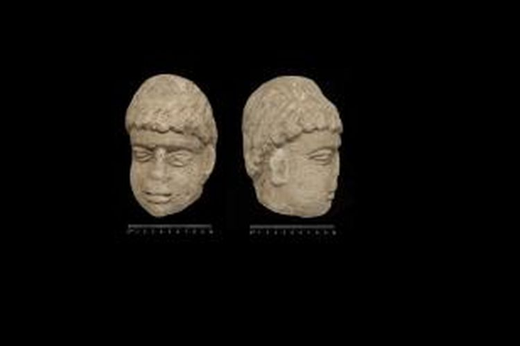 Remaja berusia 19 tahun menemukan patung dewa Romawi berumur 1800 tahun.