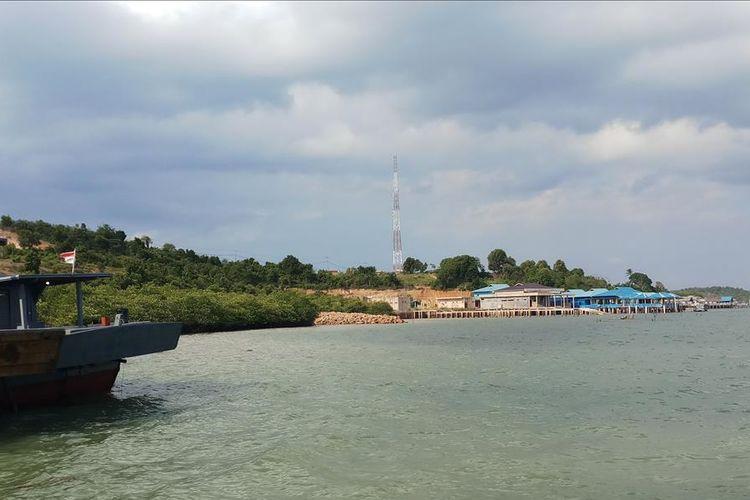 Lokasi penimbunan untuk pembuatan lahan parkir yang luasnya hanya 80 X 50 m2. Di mana penimbunan ini disebut-sebut sebagai aktivitas reklamasi dengan luas 10,2 hektar di Piayu Laut, Kepri.