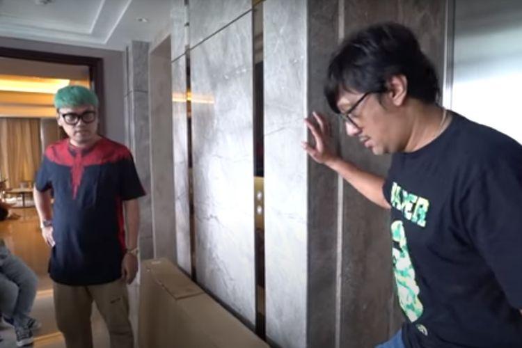 Andre Taulany di apartemen mewah Uya Kuya (Tangkap layar Taulany TV )
