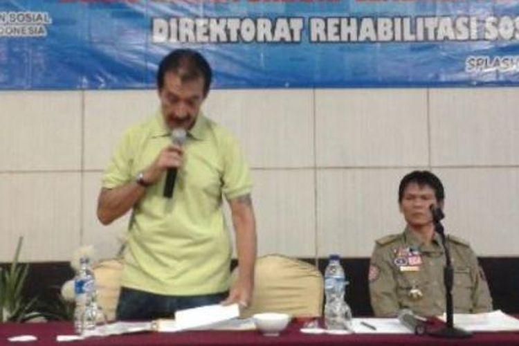 Johny Indo, bos Kelompok Pachinko yang sempat membuat heboh Indonesia sekitar tahun 1979 memberikan motivasi bagi 30 Bekas Warga Binaan Lapas di Bengkulu