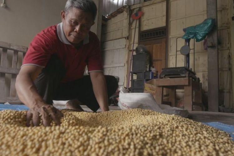 Harga kedelai di Indonesia ditentukan oleh permintaan pasar, tidak diatur seperti harga beras.