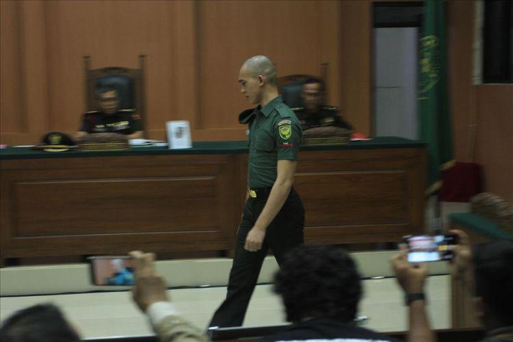 Prada DP ketika menjalani persidangan di Pengadilan Militer I-04 Palembang, Kamis (1/8/2019).