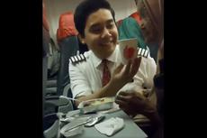 Pengakuan Sosok Perekam Video Pramugara Lion Air yang Suapi Seorang Nenek di Pesawat