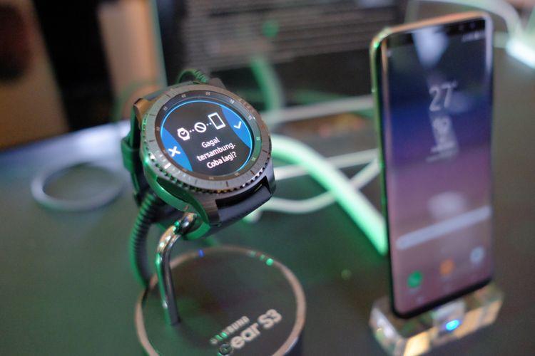 Smartwatch Samsung Gear S3 bisa dipasangkan dengan Galaxy S8 dan S8+