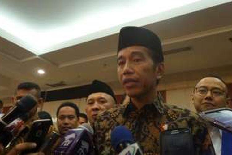 Presiden Joko Widodo seusai menghadiri Rapimnas Partai Amanat Nasional (PAN) di Hotel Bidakara, Jakarta Selatan, MInggu (13/11/2016).