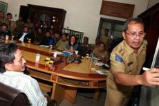 PNS Wajib Menjadi Nasabah Bank Sampah