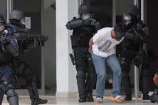 Densus 88 Ringkus Terduga Teroris di Tawangmangu