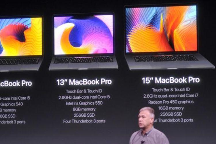 Phill Schiller, SVP of Worldwide Marketing Apple, dalam acara peluncuran MacBook Pro baru di AS, Kamis (27/10/2016).