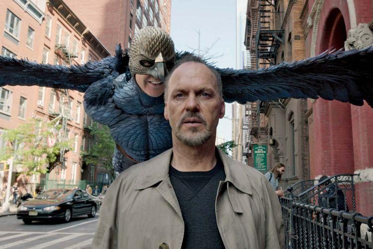 Michael Keaton dalam film Birdman