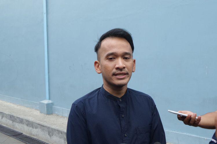 Ruben Onsu berpose di Gedung Trans, Jalan Tendean, Mampang Prapatan, Jakarta Selatan, Senin (23/10/2017).