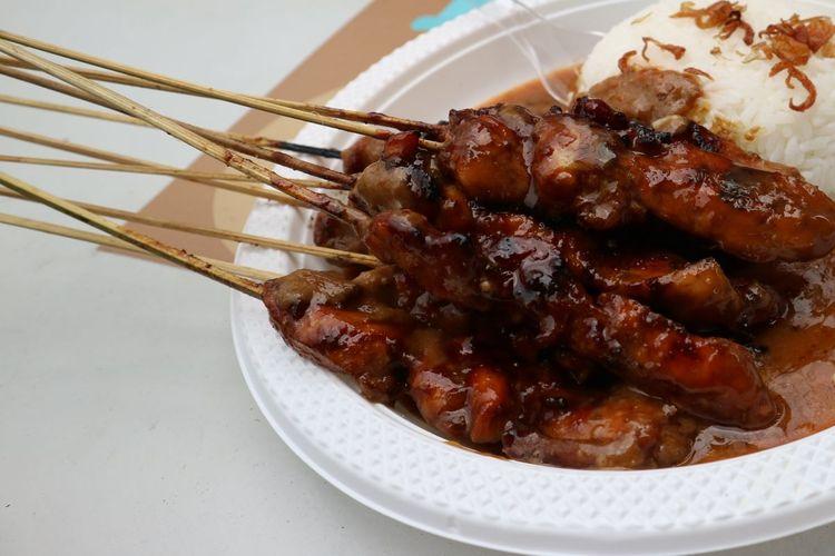 Sate Ayam yang dijual di MH Thamrin, Jakarta Pusat