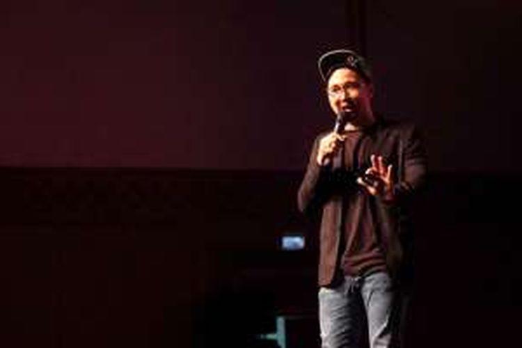 Kreator YouTube Edho Zell saat bicara di atas panggung Ideafest 2016, Sabtu (24/9/2016)