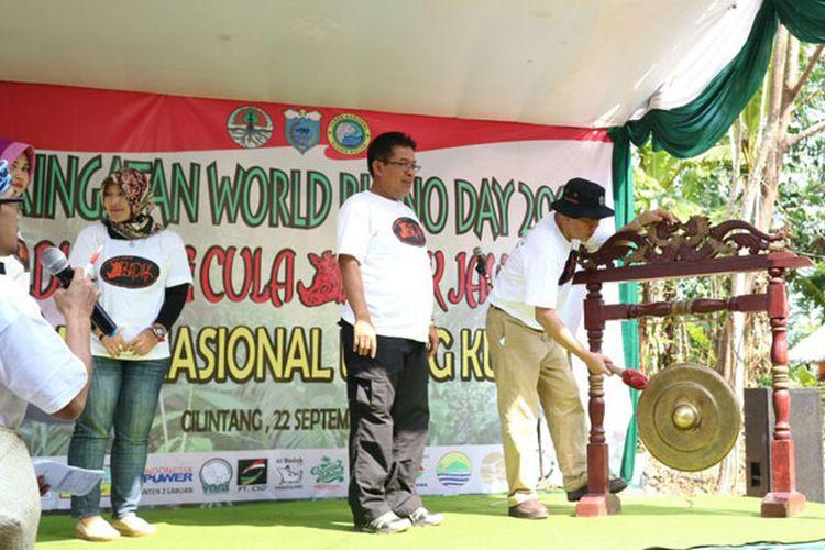 Pembukaan peringatan Hari Badak Internasional 2017 di Taman Nasional Ujung Kulon, Kabupaten Pandeglang, Banten, Jumat (22/9/2017), oleh Dirjen Konservasi Sumber Daya Alam dan Ekosistem KLHK Wiratno.