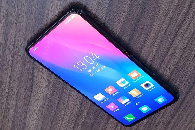 Smartphone Vivo Apex merupakan perangkat purwarupa yang dirancang tidak memiliki kamera depan, tombol fisik, dan colokan audio/charger.