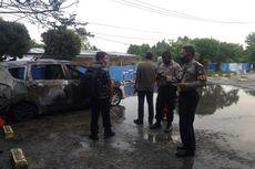 Mobil Milik Seorang Dokter Tiba-tiba Terbakar di Parkiran RS Pekanbaru