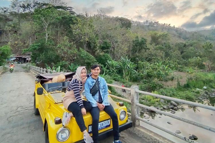 Tempat wisata di Kulon Progo - Kegiatan susur desa menggunakan VW Safari di Omah Cantrik, Kulon Progo, Yogyakarta.