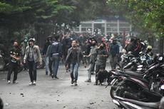 700 Demonstran Penolak UU Cipta Kerja di Bandung Jalani