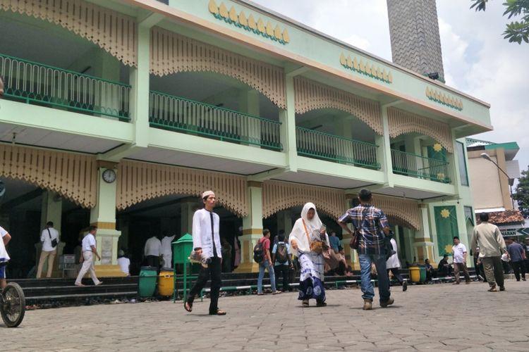 Prabowo Shalat Jumat Di Masjid Agung Kauman Semarang
