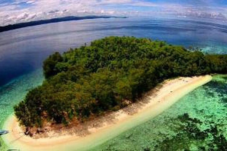 Pulau Mios Kon di Raja Ampat, Papua.