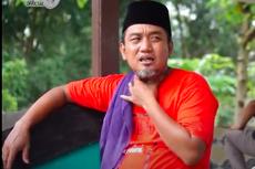 Bantu Santri, Azis Gagap Beri Modal untuk Jualan Kue Lebaran