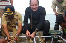 Konsul Jenderal AS Transplantasi Terumbu Karang di Pantai Bangsring