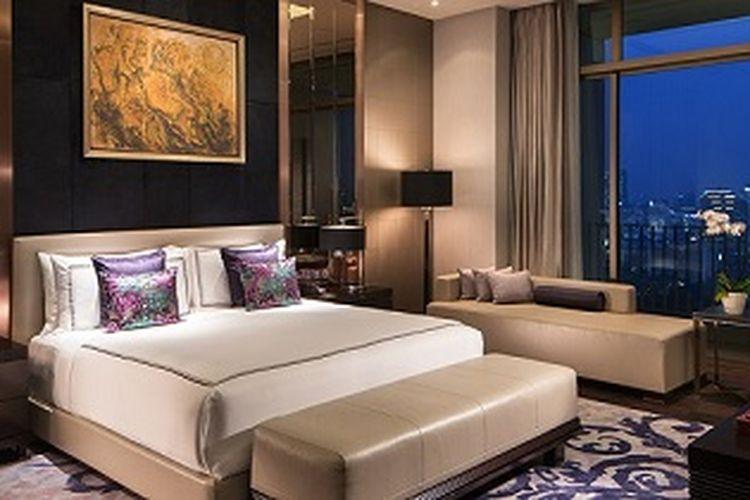 Kamar tidur di Fairmont Jakarta Presidential Suite.