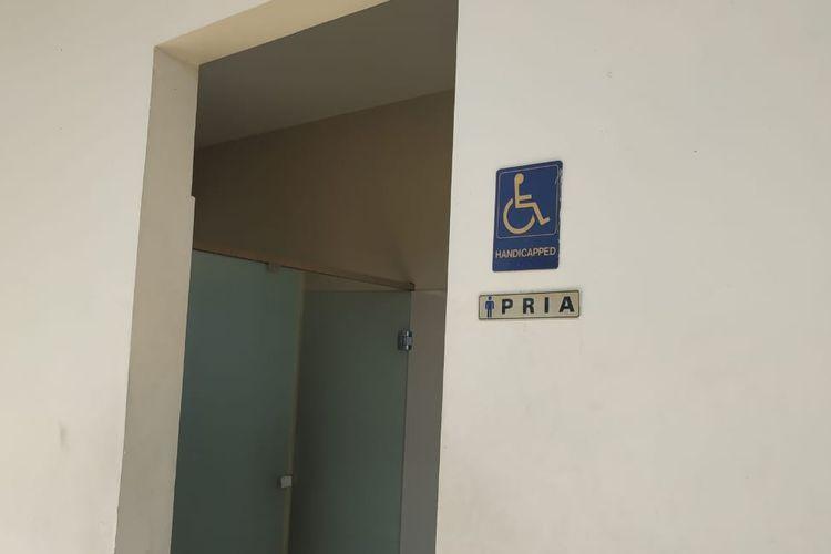 Toilet khusus yang disedikan PT Jasa Marga (Persero) Tbk bagi penyandang disabilitas.