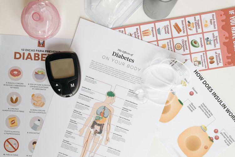 Manfaat daun kelor mungkin termasuk membantu mencegah diabetes dengan menyeimbangkan kadar gula darah dan mengurangi komplikasi terkait.