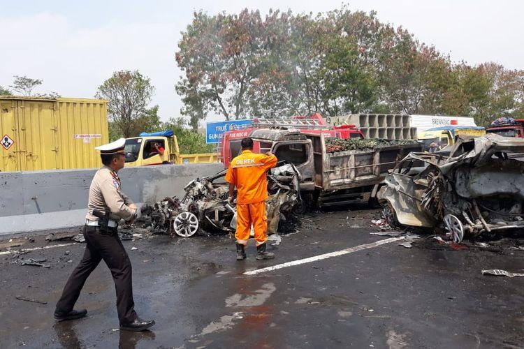 Kecelakaan beruntun di Cipularang, Jawa Barat