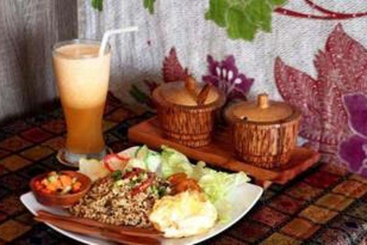 Nasi goreng di Jado Warung