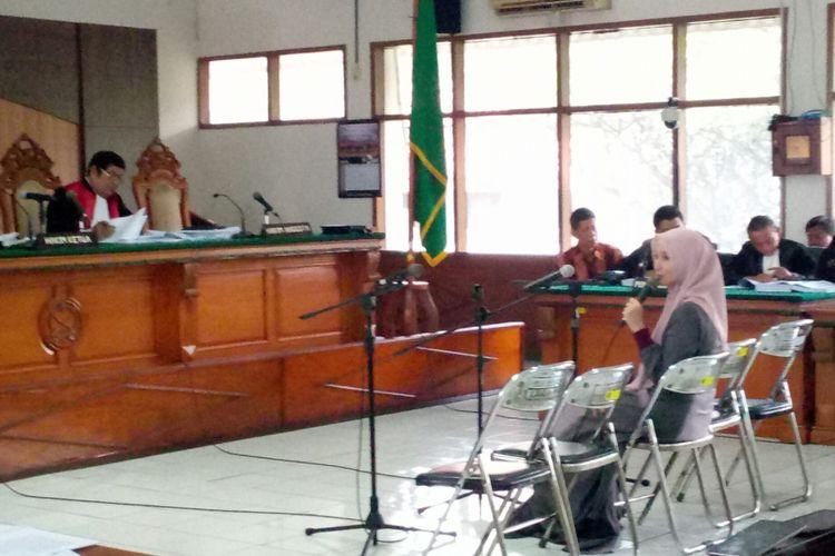 Inneke Koesherawati menjadi saksi dalam sidang suap Lapas Sukamiskin dengan terdakwa Wahid Husein.