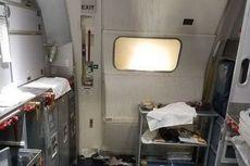 Pakai Botol Anggur, Pramugari Pukul Pria yang Ingin Buka Pintu Pesawat