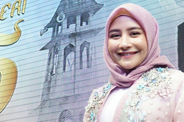 Artis peran Prilly Latuconsina dalam jumpa pers web series Negeri 5 Menara di kawasan Gatot Subroto, Jakarta Selatan, Kamis (2/5/2019).