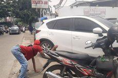 Cerita Aziz, Juru Parkir yang Berjalan Merangkak Saat Mencari Rezeki demi Orang Tua Pergi Umrah