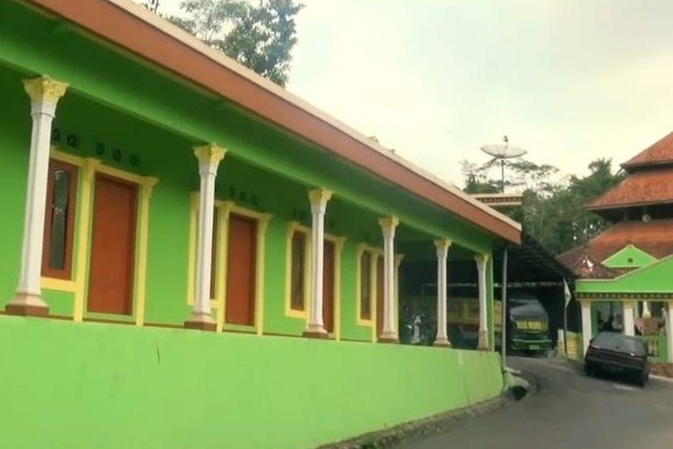 Sebuah kerajaan muncul di Tasikmalaya, Jawa Barat. Kerajaan ini bernama Kesultanan Selaco alias Selacau Tunggul Rahayu yang berdiri di Kampung Nagara Tengah, Desa Cibungur, Kecamatan Parung Ponteng, Kabupaten Tasikmalaya, sejak 2004