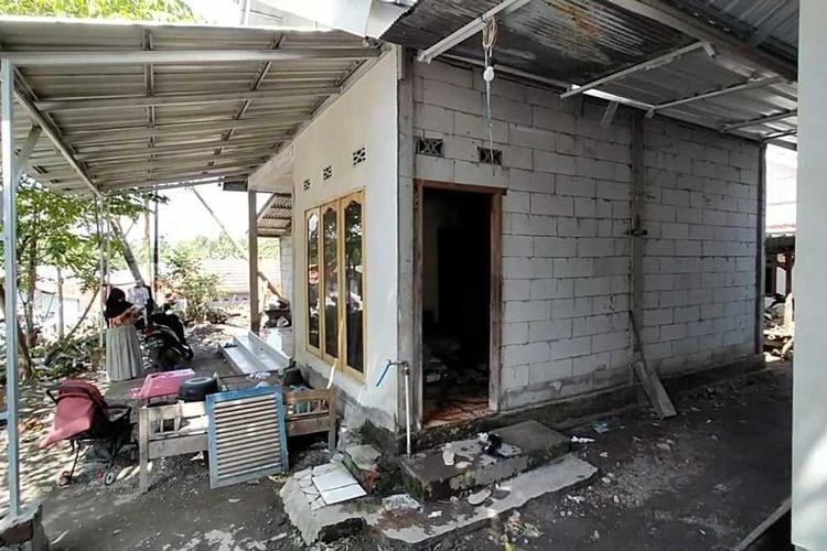 Salah satu rumah tahan gempa di Desa Dopang, Kecamatan Gunung Sari, Kabupaten Lombok Barat, NTB.
