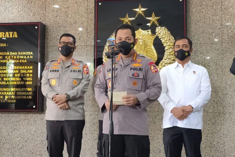 Kapolri Jenderal Listyo Sigit Prabowo dalam konferensi pers di Mabes Polri, Jakarta, Rabu (28/4/2021)