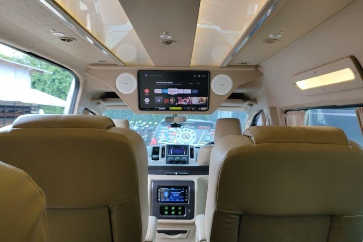 Kabin mewah Toyota HiAce Premio Signature Series Type Q buatan Baze