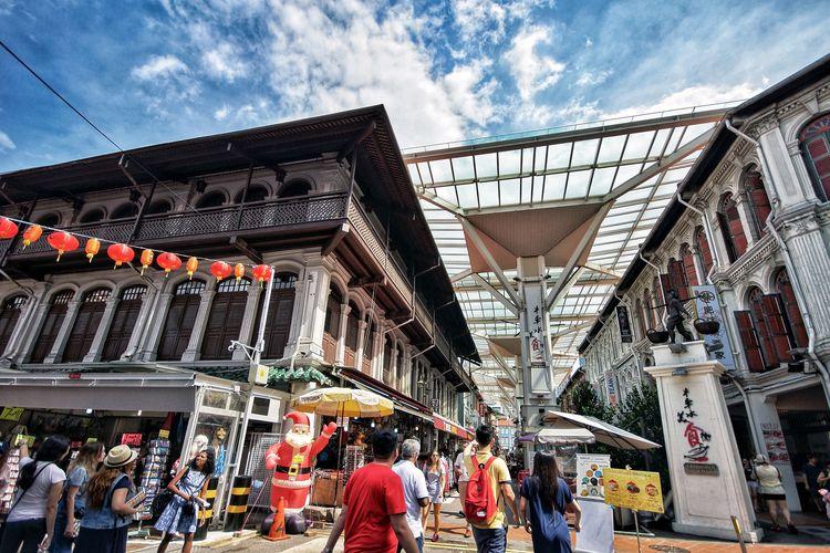 Suasana pasar di Chinatown Singapura