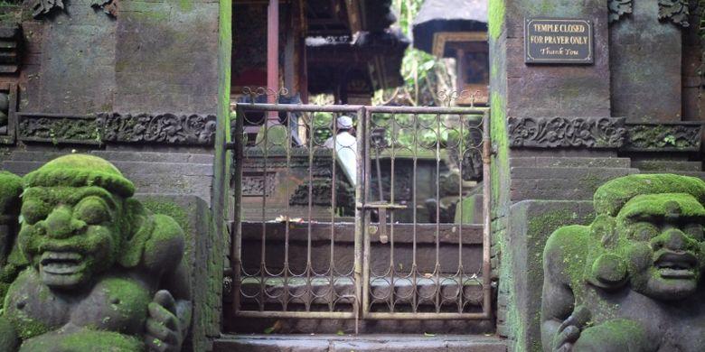 Area Monkey Forest Ubud dengan pura untuk peribadatan umat Hindu Bali.