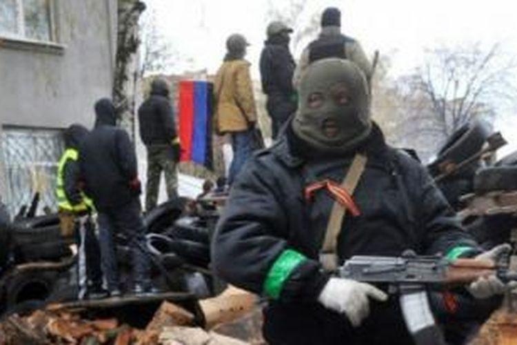 Milisi pro-Rusia di Ukraina timur