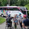 Gara-gara Pakai Google Maps, Bus Ini Tersangkut di Kelok 44