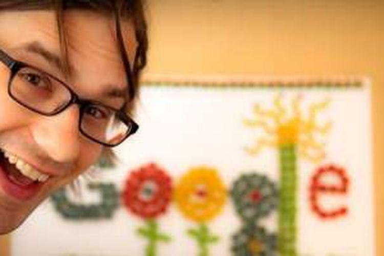 Ryan Germick, kreator Google Doodle yang karyanya sering kita nikmati di halaman utama Google.
